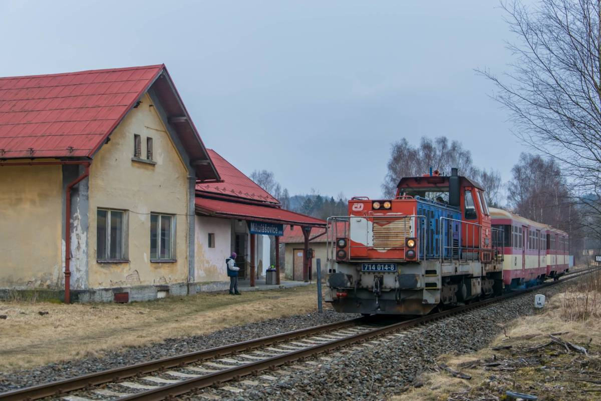 30.03.2018 - Sp 1799 von Decin nach Mikulasovice in Mikulasovice Stred mit 714 014-8